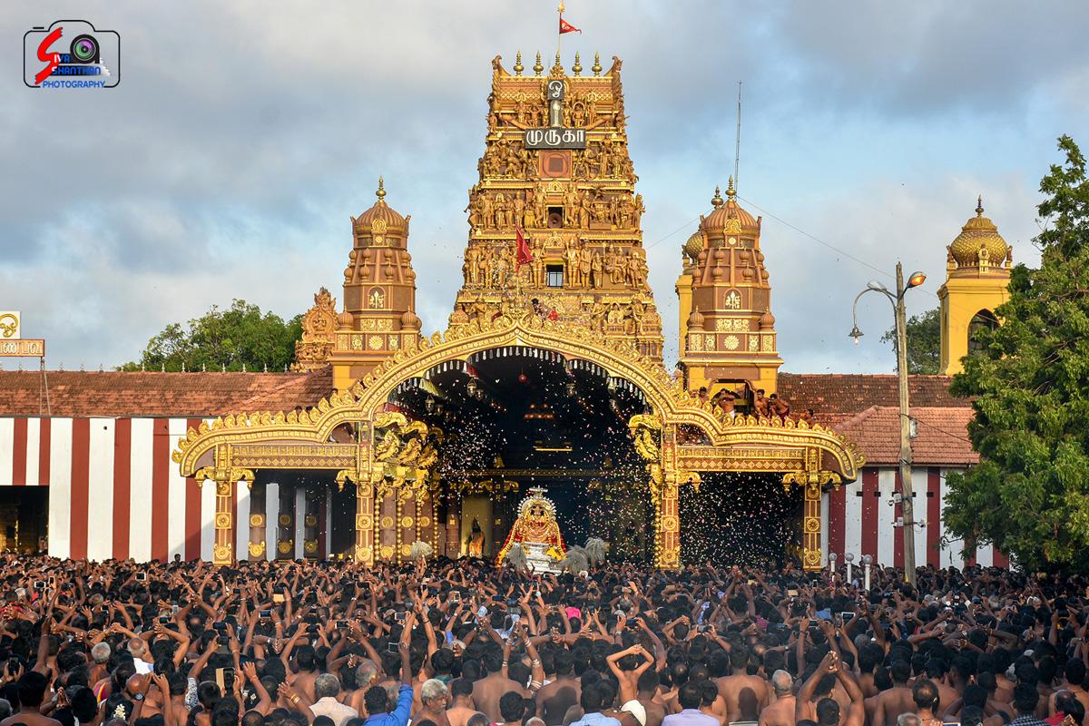 யாழ்ப்பாணம் – நல்லூர் கந்தசுவாமி கோவில் தேர்த்திருவிழா - படங்கள் மற்றும் வீடியோ 3