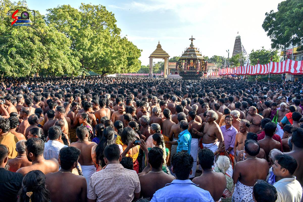 யாழ்ப்பாணம் – நல்லூர் கந்தசுவாமி கோவில் தேர்த்திருவிழா - படங்கள் மற்றும் வீடியோ 9