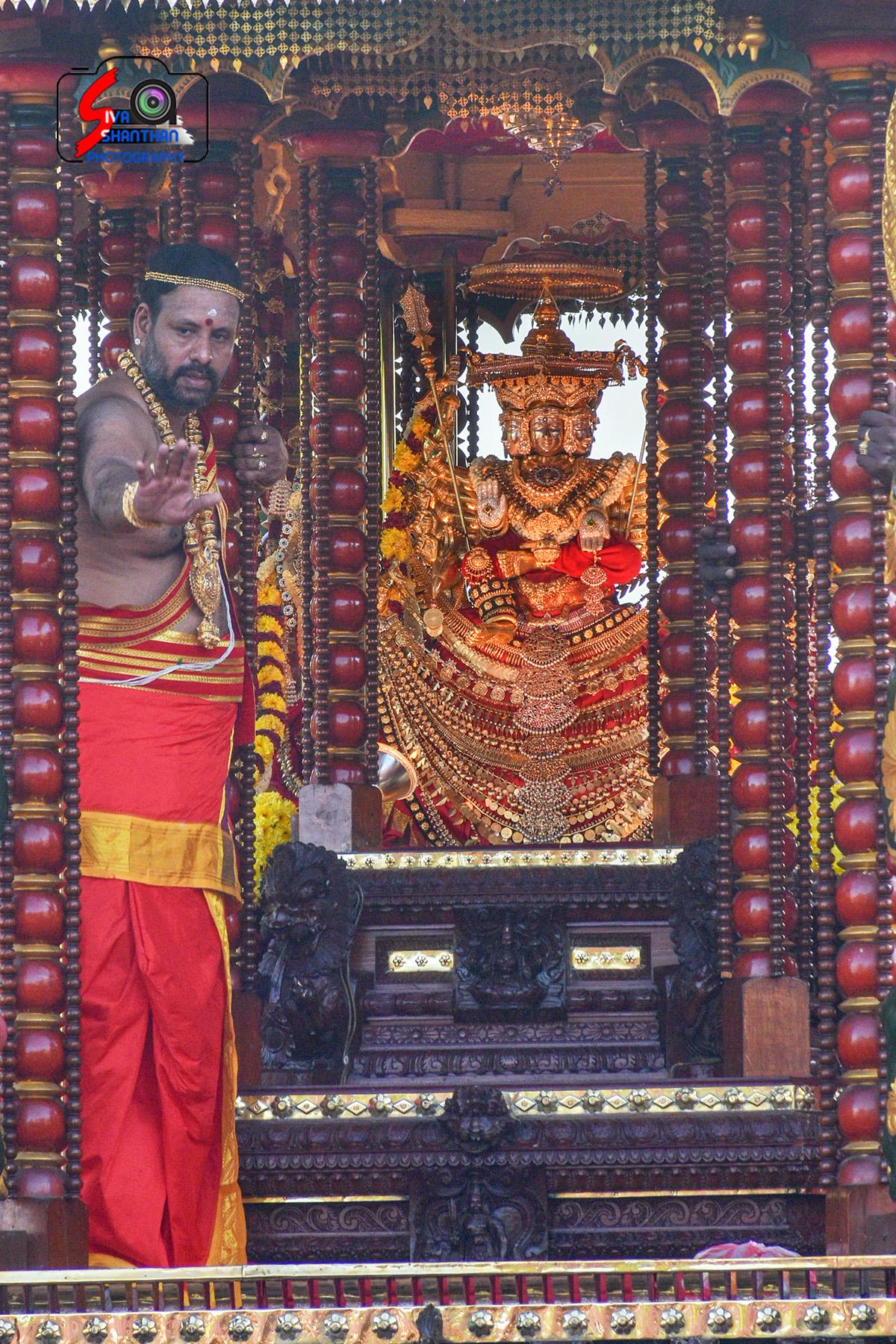 யாழ்ப்பாணம் – நல்லூர் கந்தசுவாமி கோவில் தேர்த்திருவிழா - படங்கள் மற்றும் வீடியோ 10