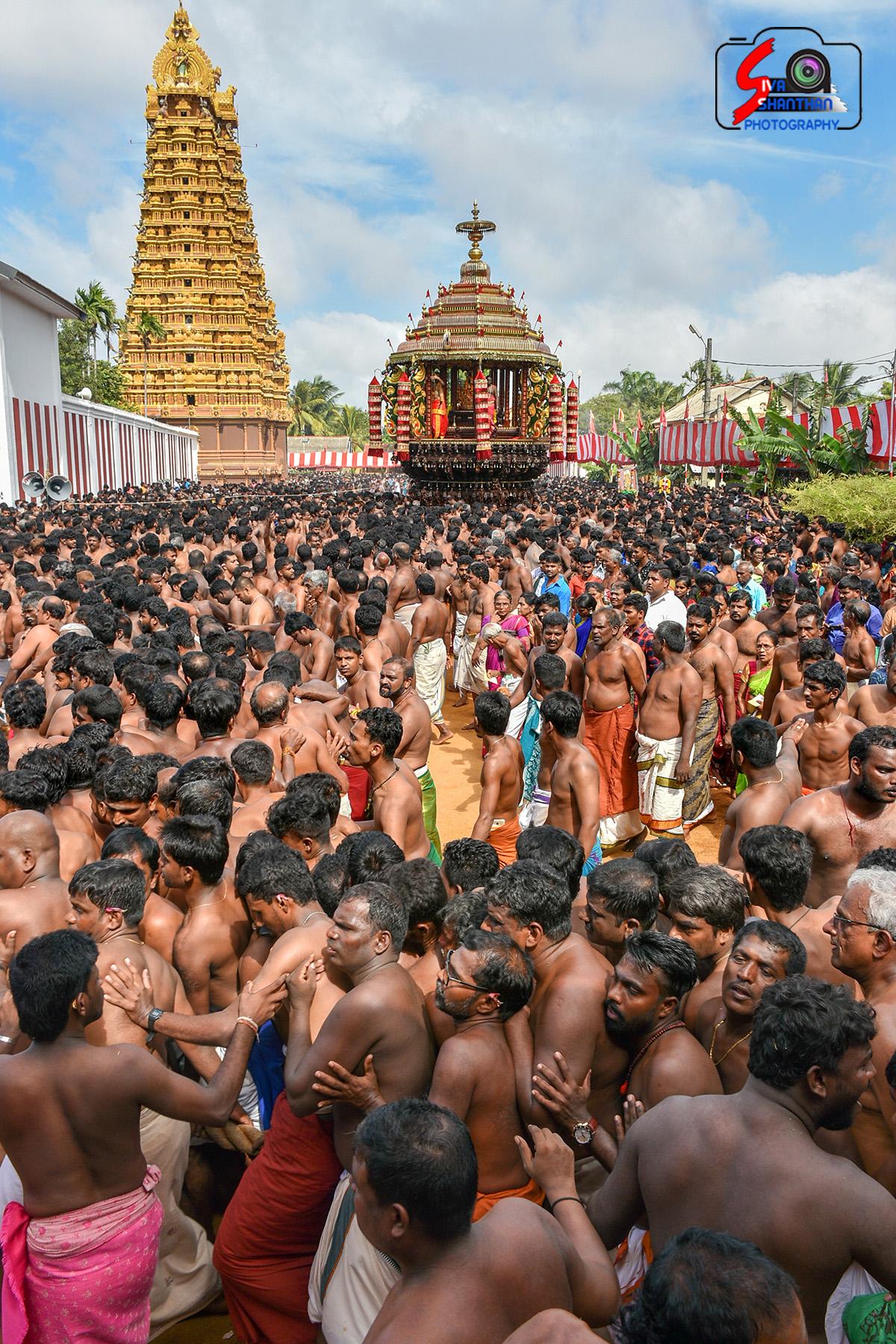 யாழ்ப்பாணம் – நல்லூர் கந்தசுவாமி கோவில் தேர்த்திருவிழா - படங்கள் மற்றும் வீடியோ 18