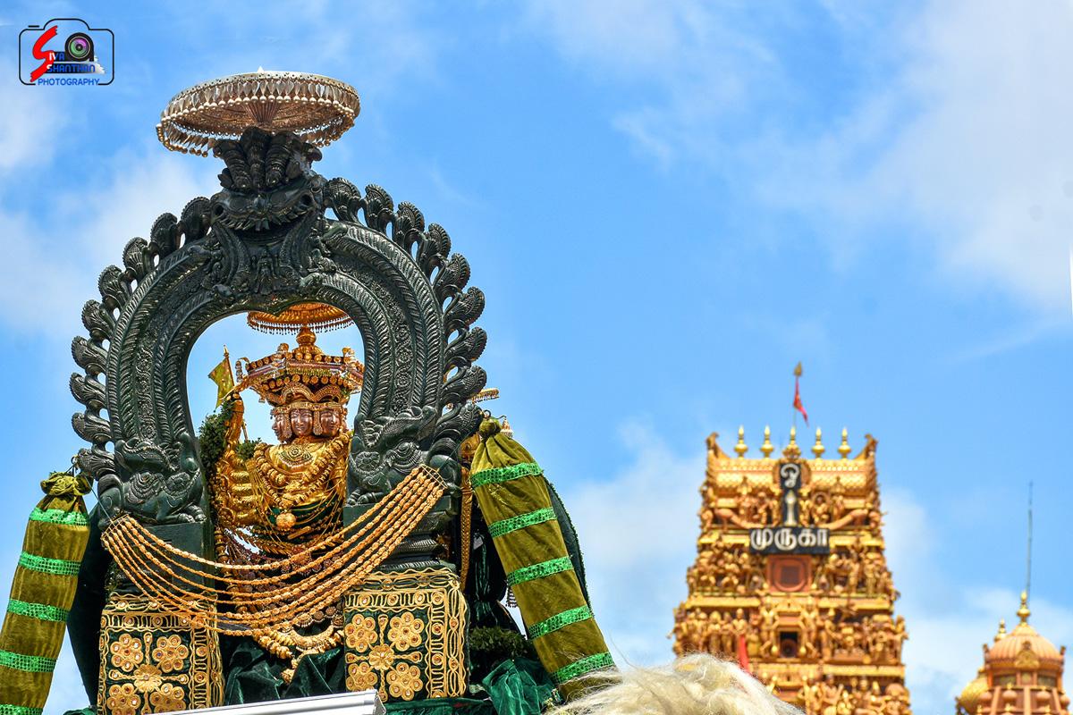 யாழ்ப்பாணம் – நல்லூர் கந்தசுவாமி கோவில் தேர்த்திருவிழா - படங்கள் மற்றும் வீடியோ 1