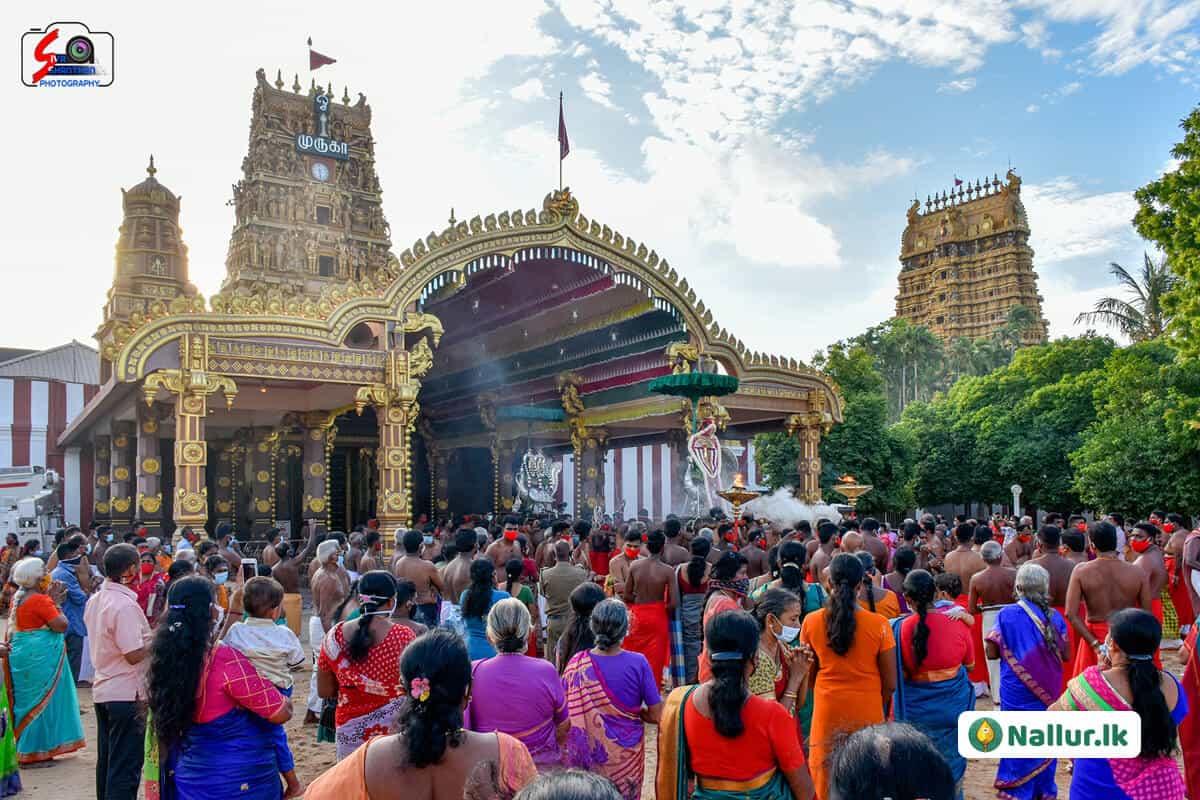 நல்லூர் கந்தசுவாமி கோவில் 1ம் திருவிழா (படங்கள்) 18