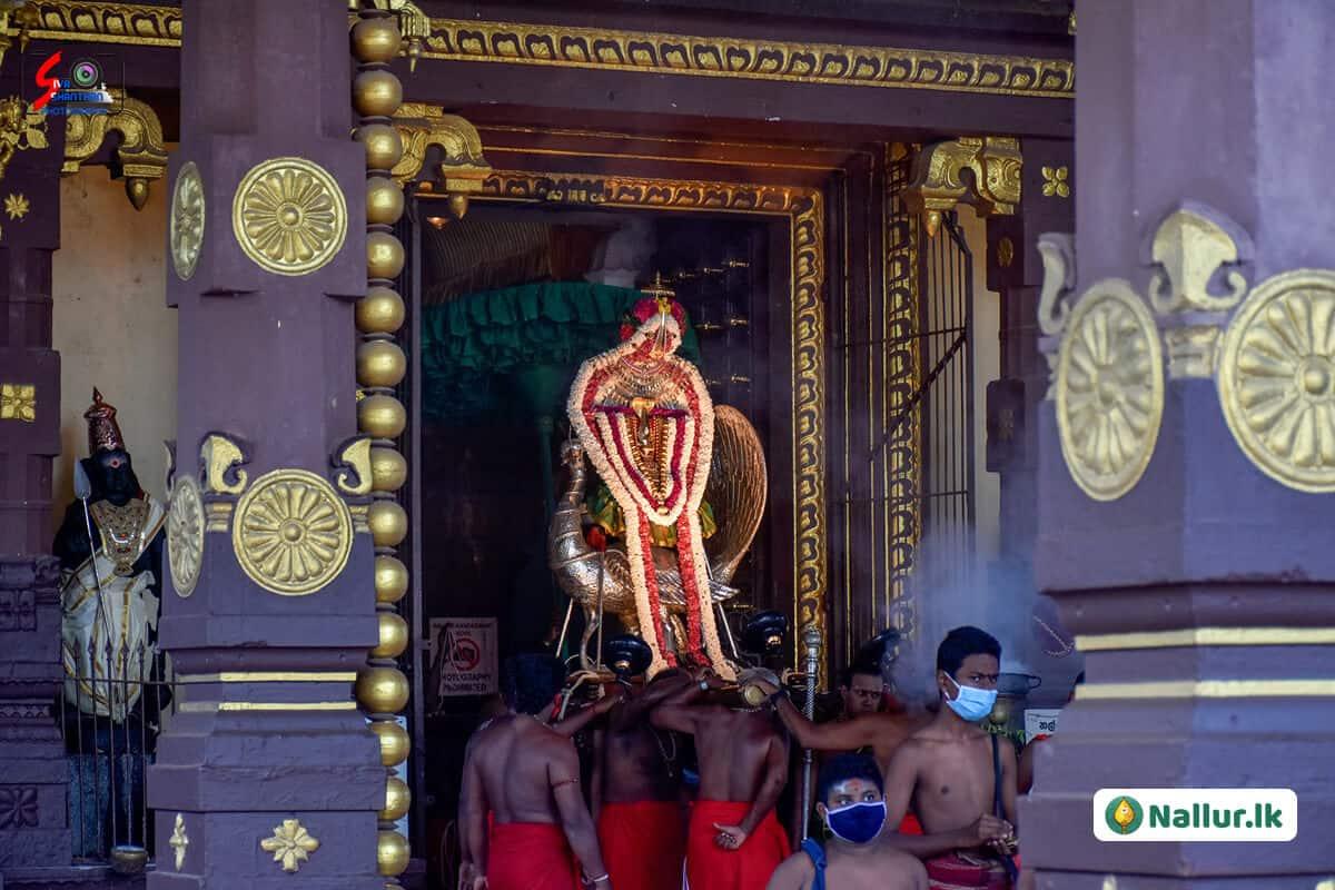 நல்லூர் கந்தசுவாமி கோவில் 1ம் திருவிழா (படங்கள்) 20