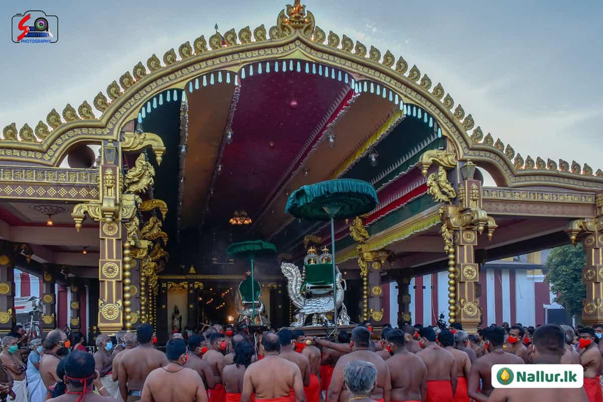 நல்லூர் கந்தசுவாமி கோவில் 1ம் திருவிழா (படங்கள்) 5