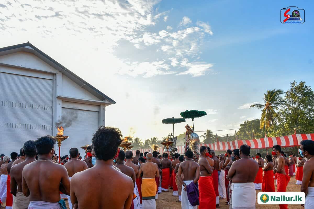 நல்லூர் கந்தசுவாமி கோவில் 1ம் திருவிழா (படங்கள்) 8