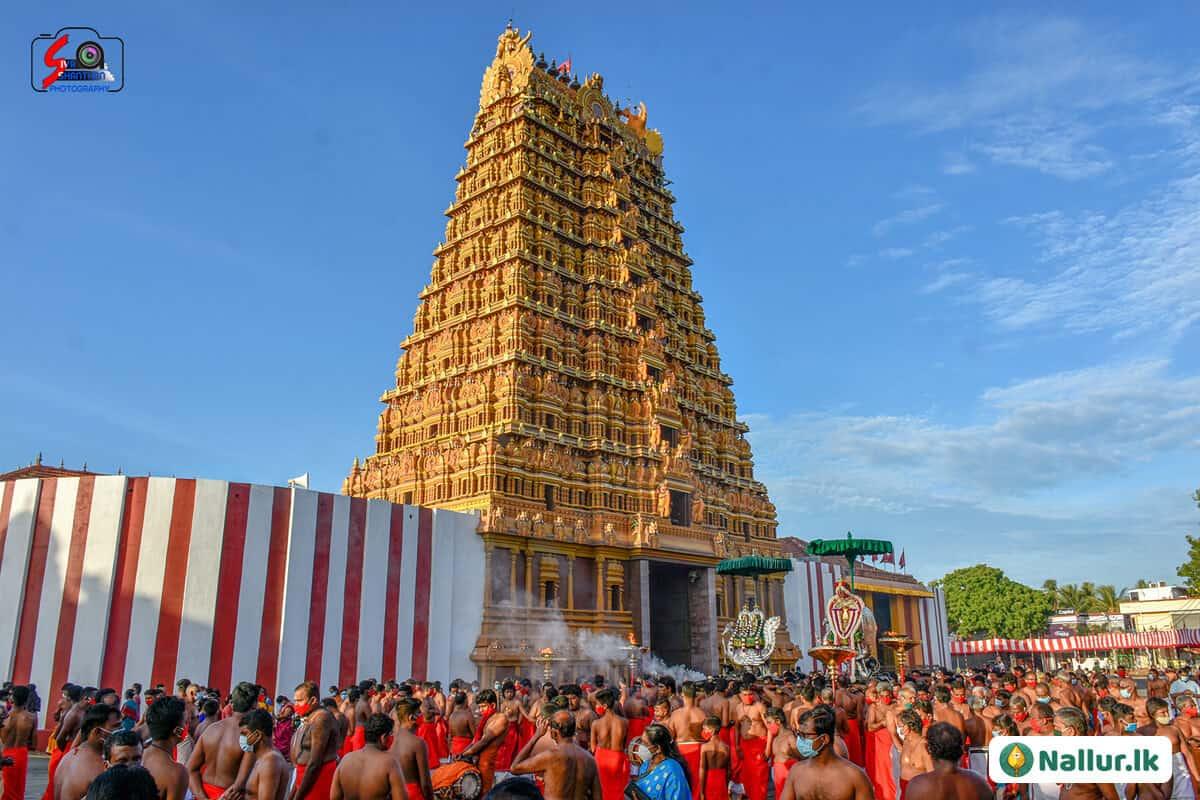 நல்லூர் கந்தசுவாமி கோவில் 1ம் திருவிழா (படங்கள்) 11