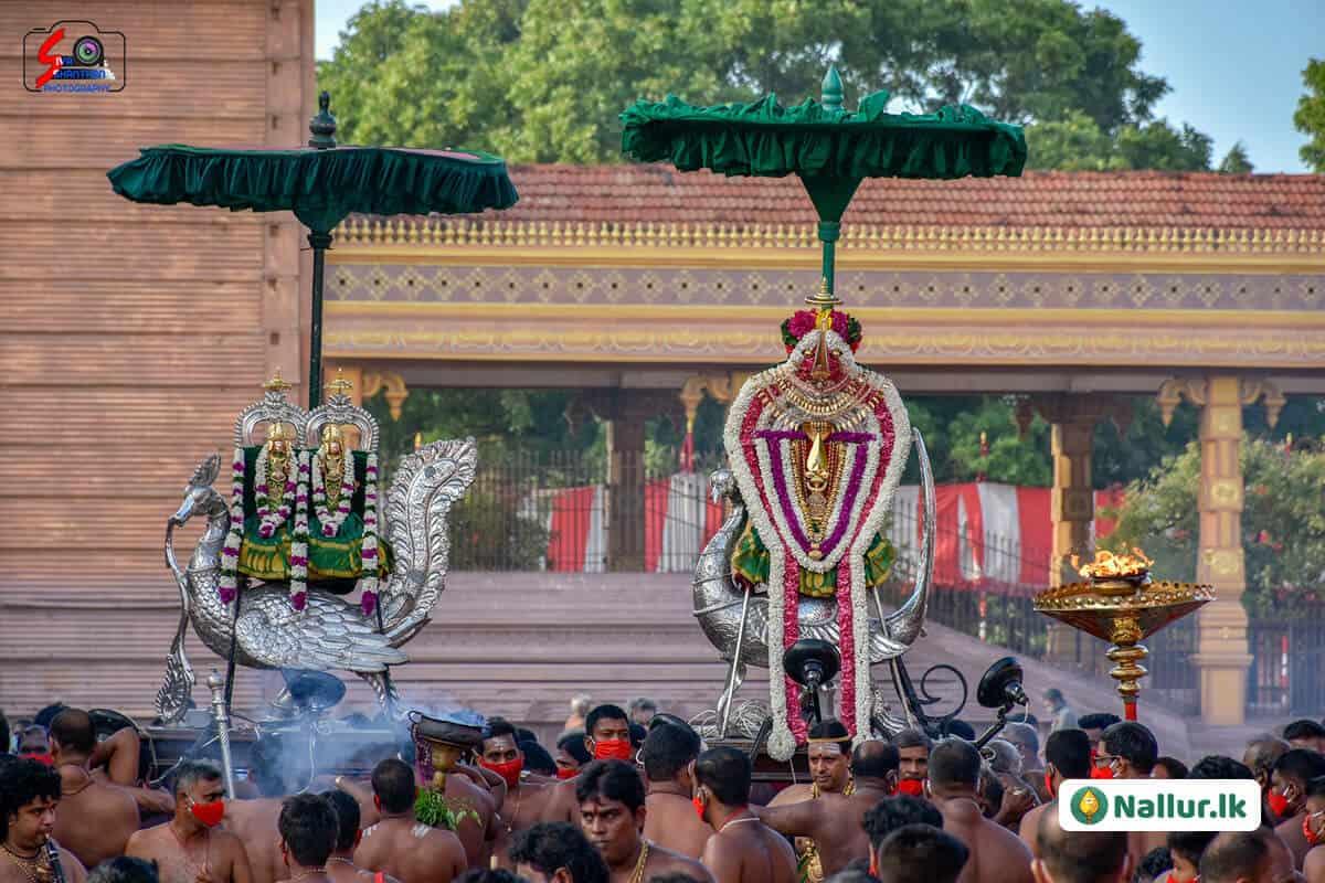 நல்லூர் கந்தசுவாமி கோவில் 1ம் திருவிழா (படங்கள்) 13