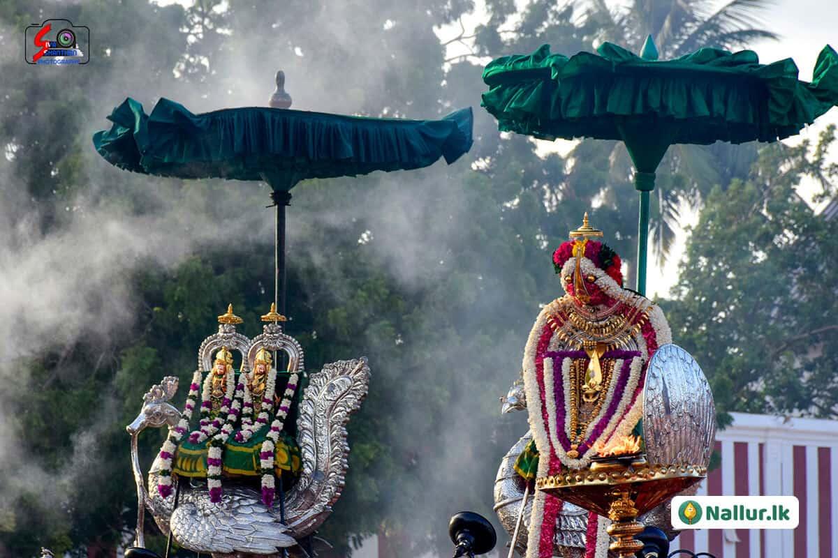 நல்லூர் கந்தசுவாமி கோவில் 1ம் திருவிழா (படங்கள்) 15
